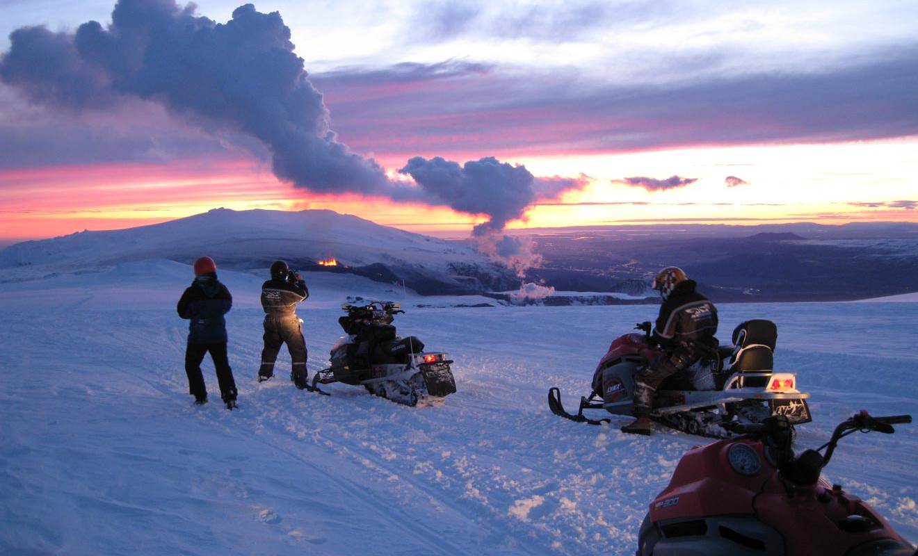 Try Snowmobile safari. Photo: Ásta Ólafsdóttir / Iceland Travel